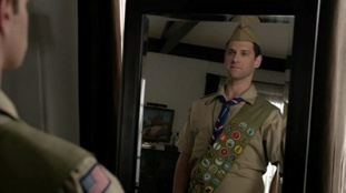 The New Normal 01x20 : About a Boy Scout- Seriesaddict